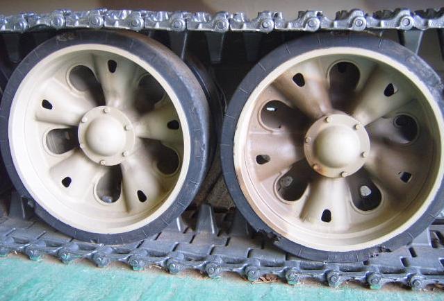 tank T-80  S4300010
