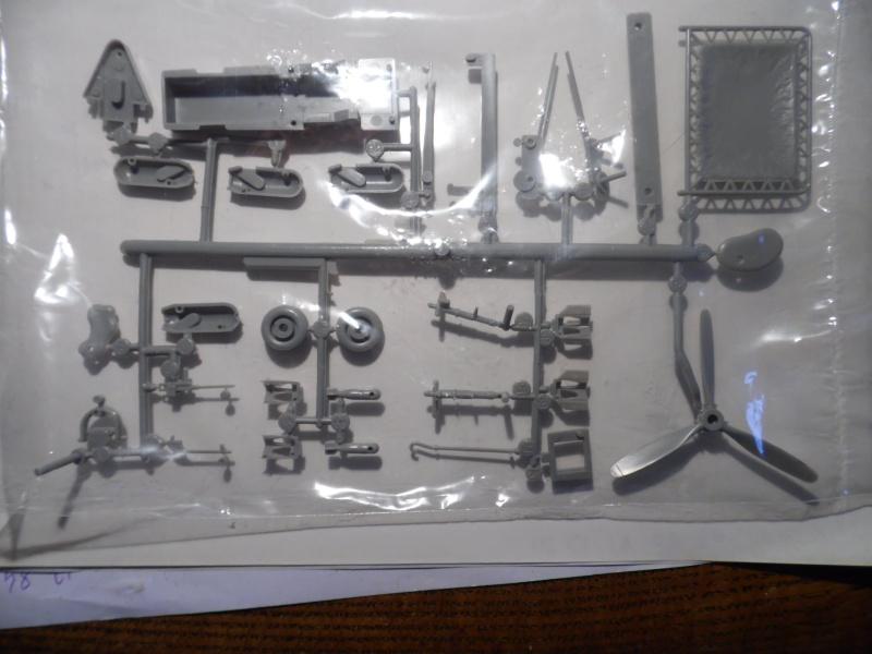 A-24 banshee (kit revell - 1/48 du sdb dauntless ) Sam_0224