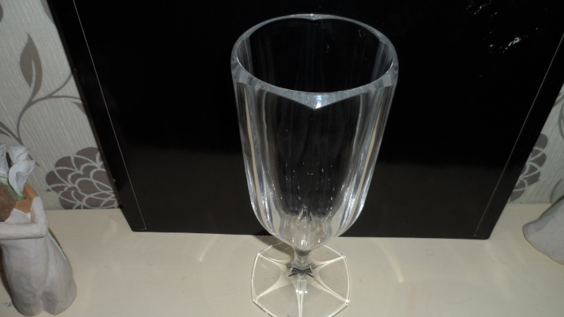 crystal glass vase stamped with rll mark Sam_0411