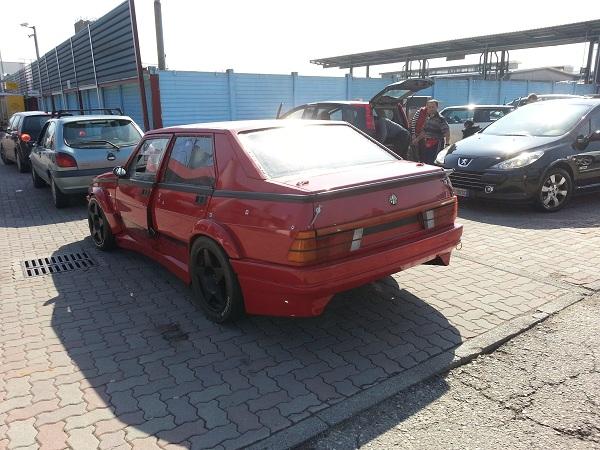 Aussi en Italie le 75 turbo revit  75_evo10