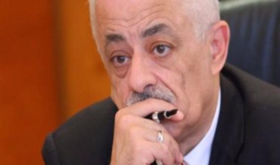الباز: وزير التربية والتعليم يتعرض لإرهاب مجتمعي من الطلاب والأهالي 001131