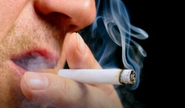 تحذير خطير من وزارة الصحة.. التدخين يزيد احتمالية الإصابة بعدوى كورونا 00123