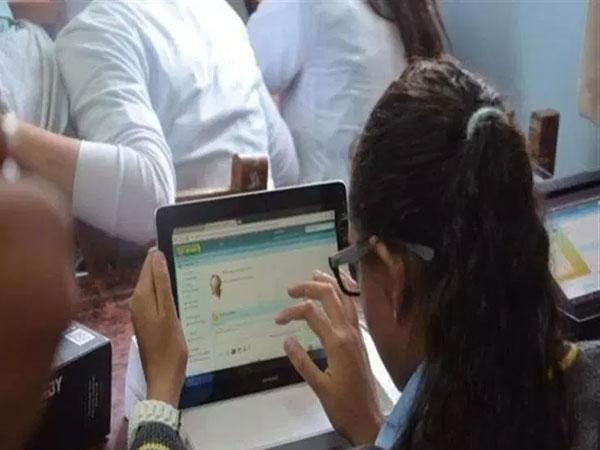 لامتحان يناير.. التعليم تصدر تعليمات مهمة لطلاب الصف الثانى الثانوى خاصة بالتابلت 03313