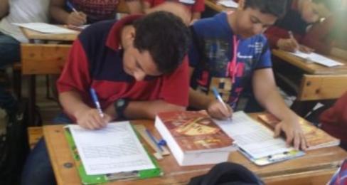 لطلاب الصفين الأول والثانى الثانوى.. كيف تفهم امتحانات الترم الأول المعدلة الإلكترونية والورقية؟ 0717
