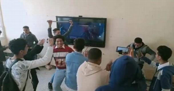 رقص على أغاني محمد رمضان داخل مدرسة بالمنوفية.. والتعليم تحيل كافة معلمي الحصة الأخيرة للتحقيق 08834