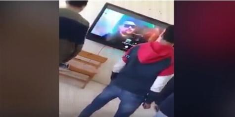 رقص على التابلت والسبورة الذكية في مدرستين.. فيديو 10131