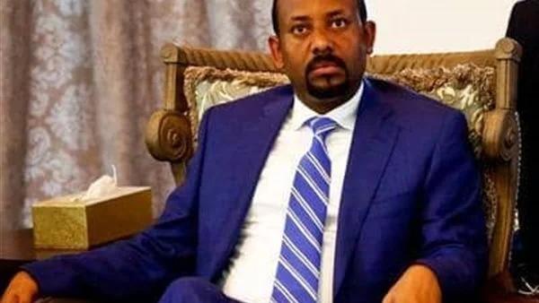 كلب وفرخة.. رئيس الوزراء الإثيوبي أبي أحمد ينشر فيديو غريب على تويتر  13431