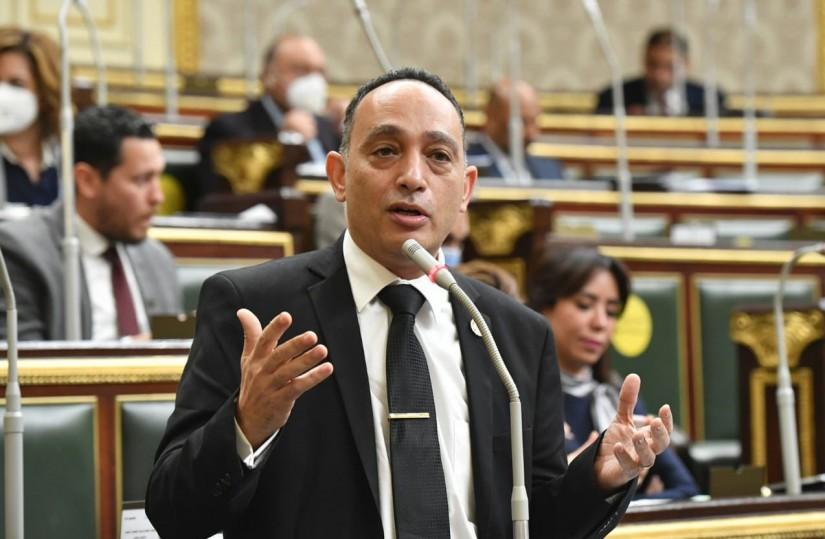 برلماني: بنمسك فى خناق وزيري التعليم والصحة وهم مظلومين.. بسببكم 144125