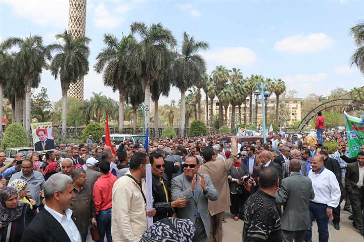 """نقيب المعلمين يقود مسيرة لدعم الإستفتاء على التعديلات الدستورية """"صور"""" 1920"""