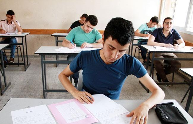 امتحان اللغة العربية للثانوية العامة.. اللجان هادئة ولا شكاوى حتى الآن  19_20113