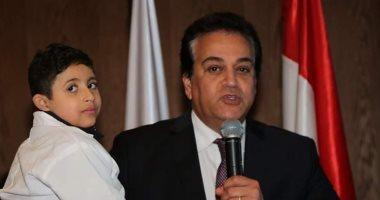 وزير التعليم ينعي الطفل زياد خالد بعد وفاته 20190214