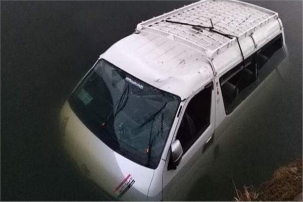 أثناء عودتهم من الامتحانات..  إصابة ١٣ طالبا في سقوط ميكروباص بترعة في الدقهلية  20210310