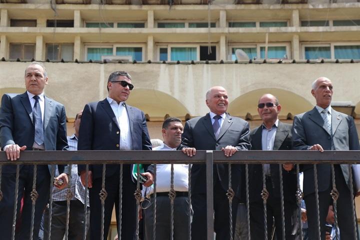 """نقيب المعلمين يقود مسيرة لدعم الإستفتاء على التعديلات الدستورية """"صور"""" 2042"""