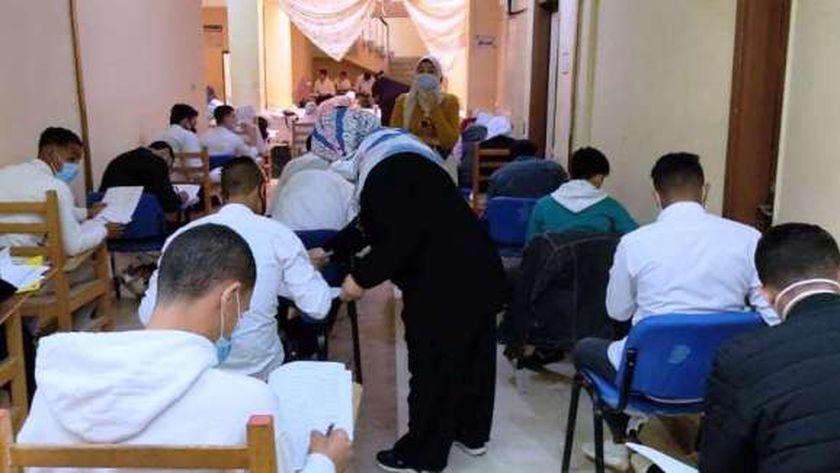5 إصابات كورونا بين طلاب الجامعات.. وتأجيل الامتحانات لـ 20 مارس 22337