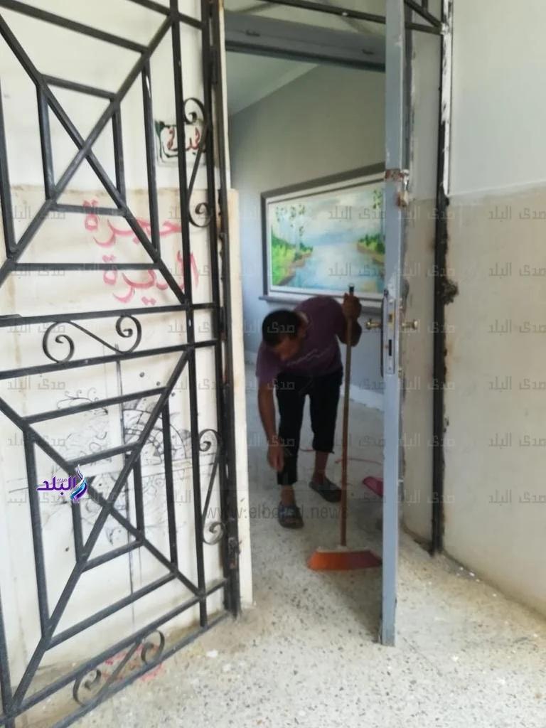 تعقيم وتنظيف المدارس استعدادا للامتحانات التجريبية لثانوية العامة  22449