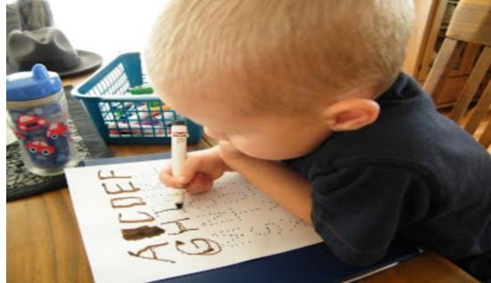 إرشادات خاصة بمهارة مسك القلم للأطفال 25234