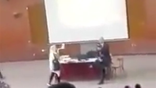 وريني بره عشان مينفعش توريني أمام الطلبة.. تحقيق عاجل في واقعة طالبة الحقوق بجامعة طنطا 34611