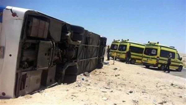 عاجل | اصابة 37 طالباً في حادث انقلاب أتوبيس رحلات بالكيلو 5 طريق قنا  37210