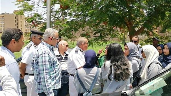 """نتيجة طلاب أولى ثانوي بمدرسة في المنصورة مش موجودة بالمدرسة ولا على موقع الوزارة.. والمدير:""""ماليش ذنب"""" 37511"""