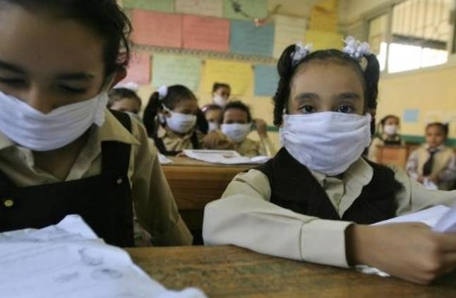 مع ظهور كورونا في مصر .. التعليم تقرر تقليل التجمعات في المدارس وتوصي بالحفاظ على مسافة لا تقل عن متر بين الطلاب 38555210