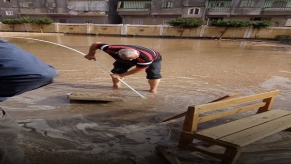 التعليم: تكريم المعلمين الذين شاركوا في إزالة أثار الامطار بالمدارس 47214