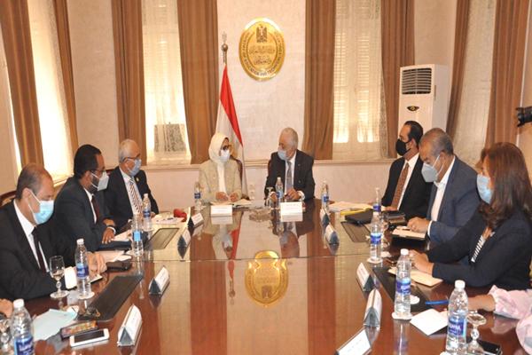 الحكومة تتابع اليوم خطة عودة الدراسة.. واجتماع شوقي مع وزيرة الصحة لمناقشة الاحتياطات الصحية 49fec210
