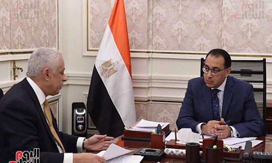 مجلس الوزراء يحسم مصير امتحانات الثانوية العامة غدًا 51463-10