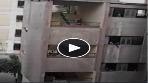 بالفيديو..  أنقاذ تلميذ من الموت المحقق.. كان يتدلى من شرفة الدور الثالث بمدرسة بفيصل 5190