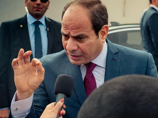 السيسى: مصرّون على تقديم جودة تعليم تناسب آمالنا لمصر 521110