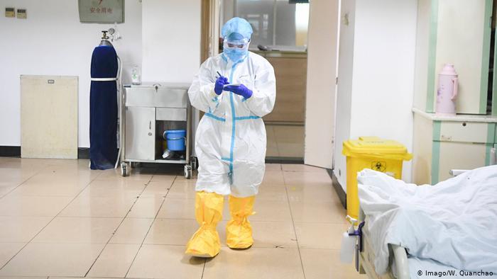 إجراءات يجب عملها في حال الشك أنك تعاملت مع شخص مصاب بفيروس كورونا 52235310