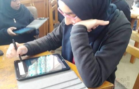 الخوف من وقوع السيستم سبب امتحان طلاب أولى ثانوي المدارس الخاصة بالحكومية 53139610