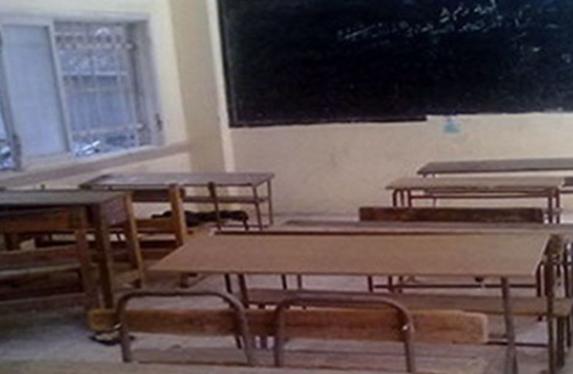 """نائب وزير التعليم ذهب لزيارة مدرسة فلم يجد طلاب.. ومعلمة: """"بييجوا يا معالي الباشا"""" 544100"""