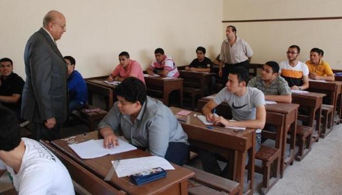 بدء امتحان الجبر والهندسة الفراغية لطلاب الثانوية العامة شعبة علمي رياضة 5529410