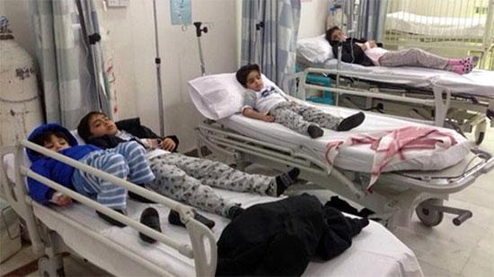 إصابة ٦٠ طالبًا بتسمم غذائى بمدرسة ابتدائية بالصعيد 59_20110