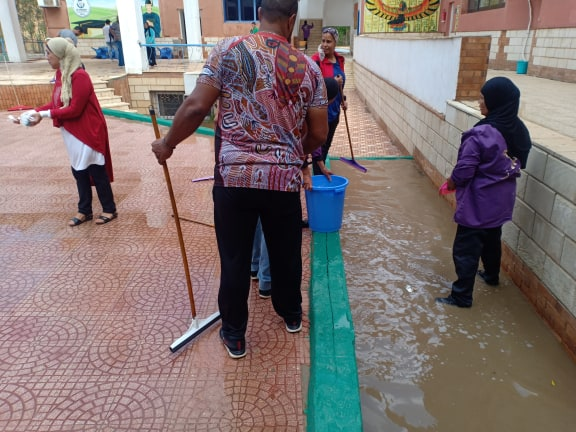 التعليم: تكريم المعلمين الذين شاركوا في إزالة أثار الامطار بالمدارس 67912