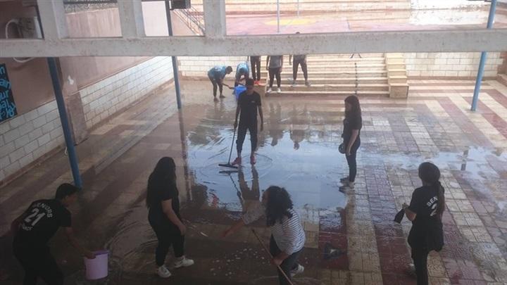 التعليم: تكريم المعلمين الذين شاركوا في إزالة أثار الامطار بالمدارس 68011