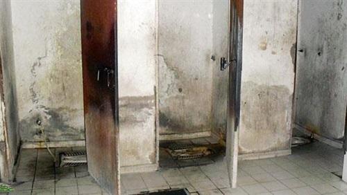 أمهات مصر: المدارس لا يوجد بها دورات مياه آدمية وذات رائحة كريهه 72911
