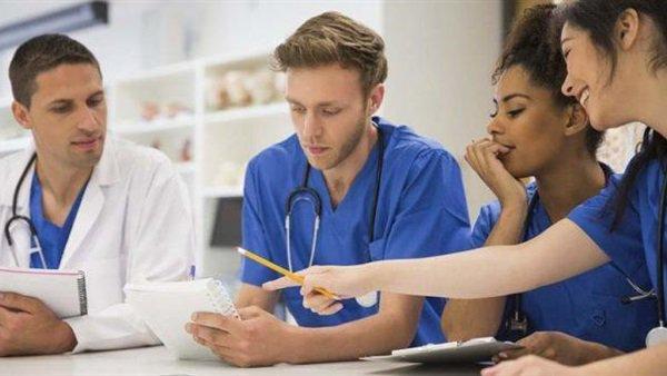 خبر سار لطلاب ثانوية عامة..  زيادة عدد الطلاب المقبولين في كليات الطب  83610