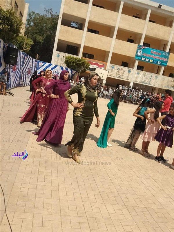 التعليم تكشف حقيقة إقامة حفل زفاف داخل مدرسة ثانوي بشبرا الخيمة  85310