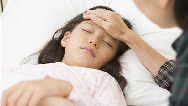القومى للتطعيمات يحذر من عدوى الالتهاب السحائى بين طلاب المدارس والجامعات 8723