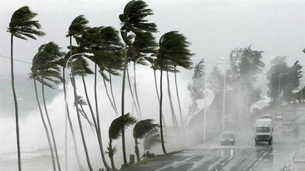 """الأرصاد"""" موجة الطقس السيئ تبدأ 6 مساءً اليوم وذروتها يومى الخميس والجمعة.. وتنصح باستخدام الكمامات 89910"""