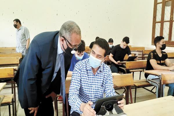عجز 110 آلاف طالب وطالبة عن دخول منصة امتحانات الثانوية العامة 9393
