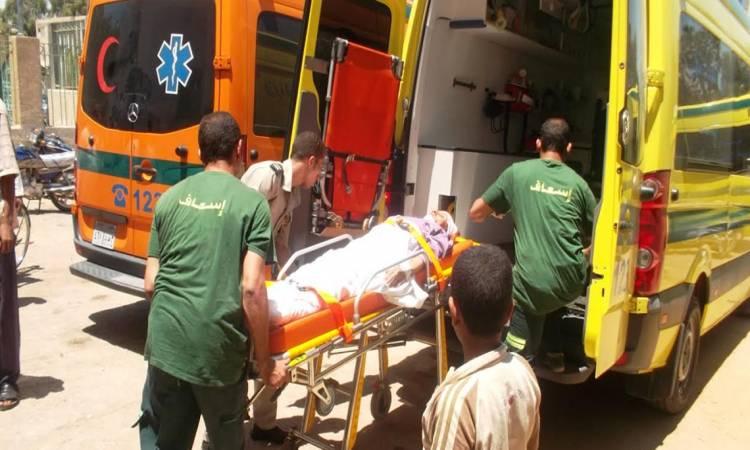 طالب ثانوي يمزق جسد زميله بمطواة لانه شتمه على الفيس A17