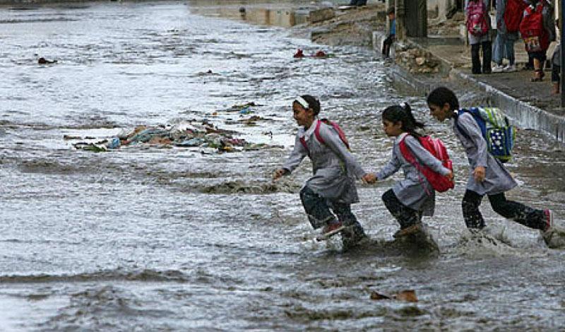 إجراءات التعليم لضمان سلامة طلاب المدارس في موجة سقوط الأمطار  Yaoao-10