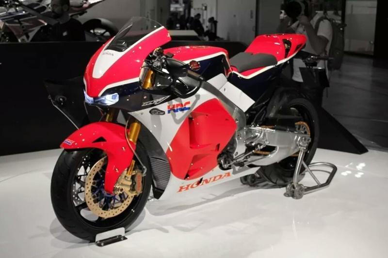 Honda RC213V-S Img_1310