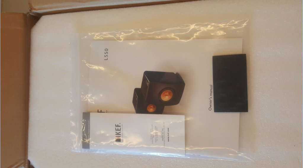 KEF LS50 Black Edition + Original Stand Ls50_m11