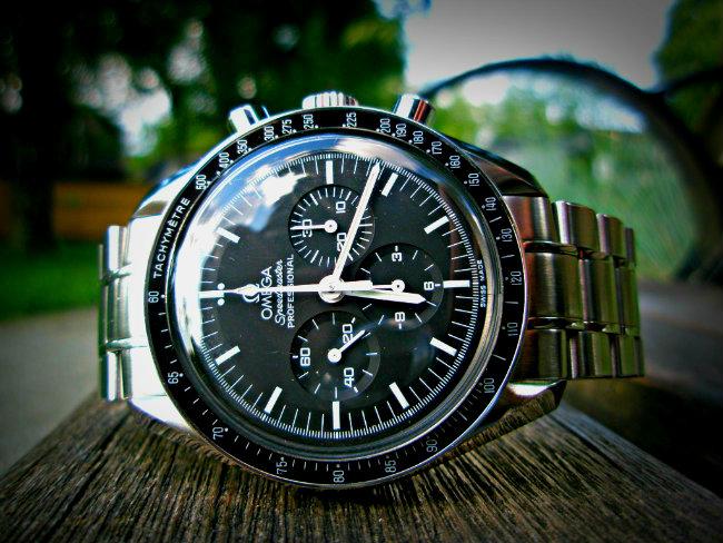 Besoin de vos conseils pour une montre entre 1500 et 3000 euros Speedm10