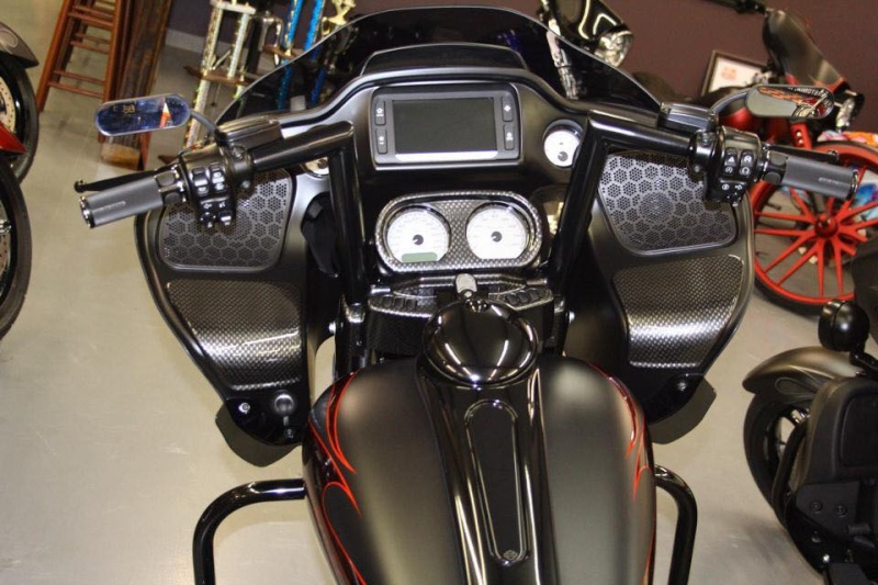 ROAD GLIDE 2015  - Page 24 19074210