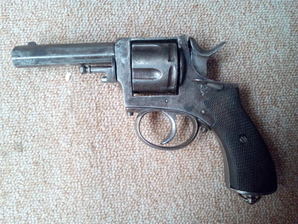 Identification petit revolver Img_2010