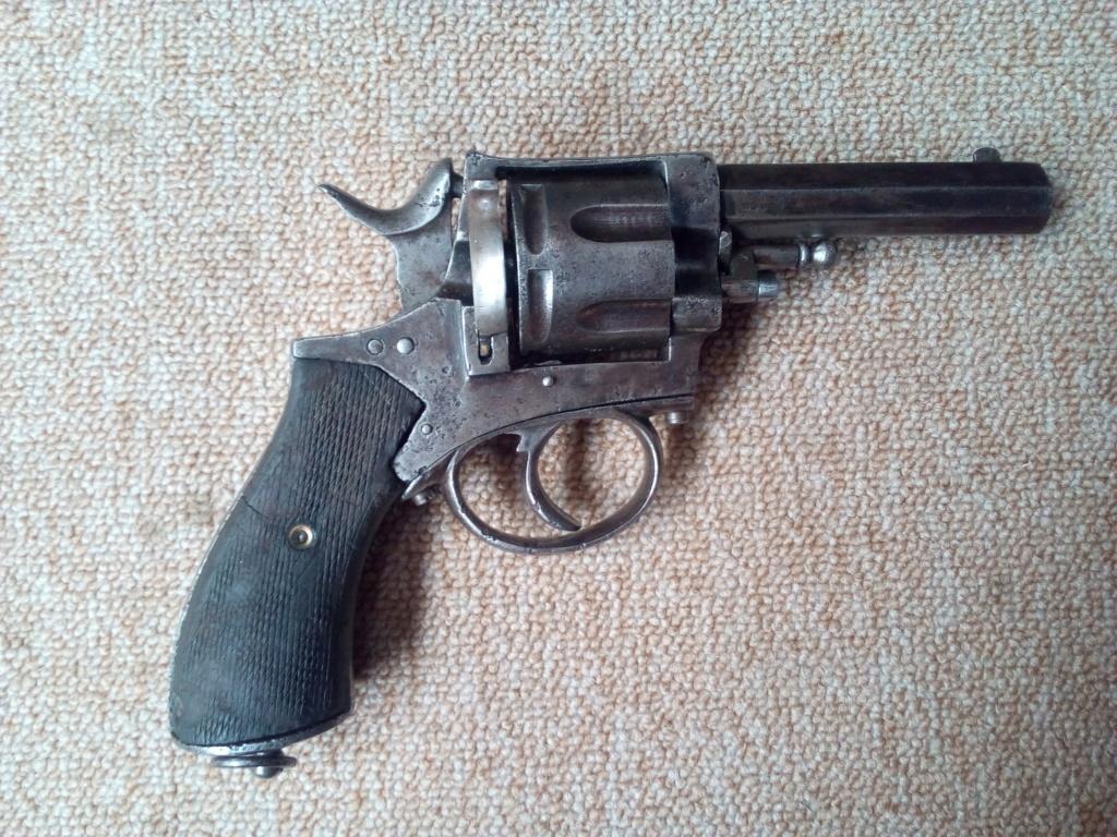 Identification petit revolver Img_2011